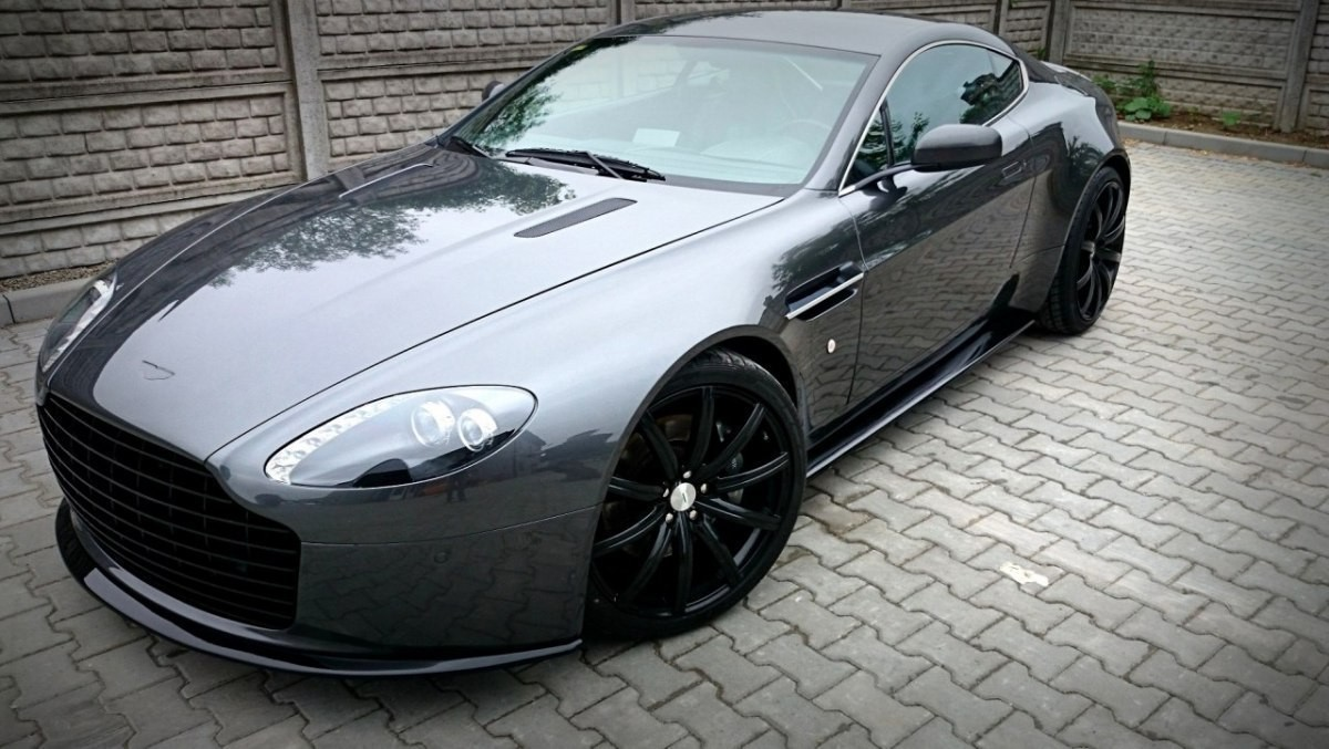 aston martin v8 vantage 04 predn n razn k s maskou tuning. Black Bedroom Furniture Sets. Home Design Ideas